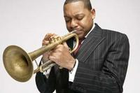 2230861WyntonMarsalis06playing1